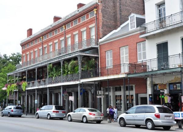 Во Французском квартале Нового Орлеана бережно сохраняется архитектурное наследие колониального прошлого