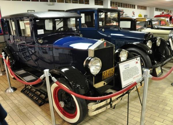 Богатейшая коллекция автомобильного музея в Окале (Флорида) насчитывает 165 бережно сохраненных раритетов, положивших начало автомобильной Америки