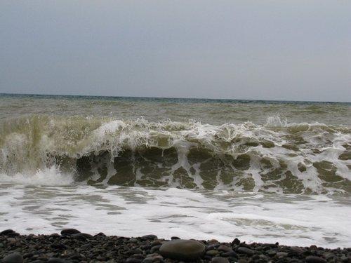 В последний день застали шторм. Немного попрыгали на волнах.