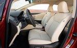 Как всегда, сиденья Lexus оказываются удобными, но выглядят лучше в светлых тонах.