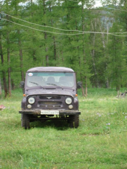 На ферме стоял УАЗ.