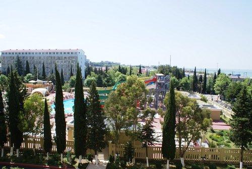 Вид на аквапарк из пансионата «Весна».