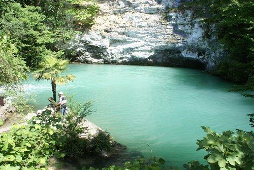 Голубое озеро. Увы, фото не может передать истинного цвета воды. Вода просто ледяная!