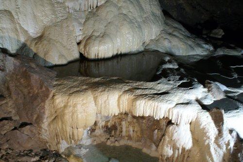 Ново-афонская пещера. Подземное озеро.