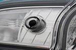 Секретная кнопка, вмонтированная в правую заднюю фару, позволяет одним нажатием заблокировать все двери.