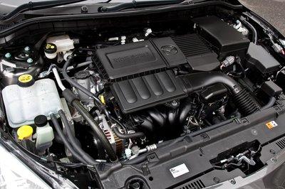 На 1,5-литровой модели 15C установлена коробка передач вариаторного типа с возможностью имитации 7-ступенчатой механической коробки. Расход топлива на этой модели в режиме