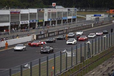 Участники Z-Challenge и VTEC Cup выехали на трек для финального заезда длиной в 7 кругов