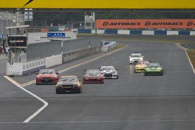 В самом конце состоялась долгожданная гонка в классе Super Tuner – 6 кругов напряженной борьбы между заряженными болидами.