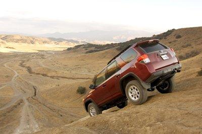 При спуске Crawl Control работает не менее эффективно, если вы, конечно, окажетесь достаточно смелы, чтобы отпустить педаль тормоза.