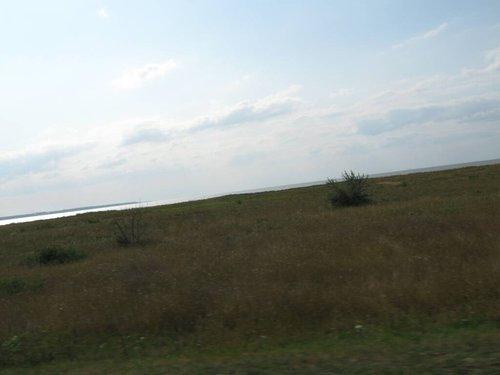 Виднеется Азовское море.