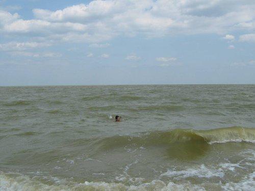 Качаюсь на волнах.