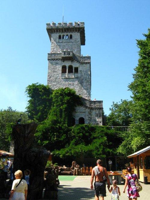 Смотровая башня на горе Ахун.