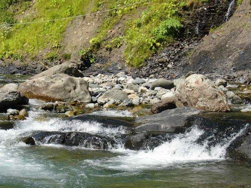 Авадхара. Источник с минеральной водой.