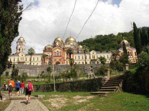 Новоафонский православный мужской Симоно-Кананитский монастырь.