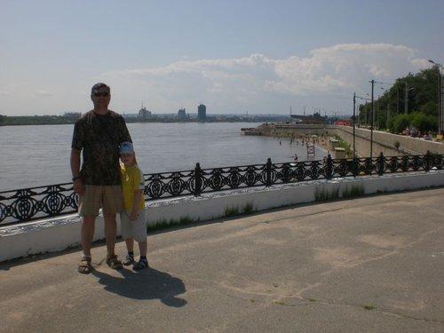 Набережная Амура, городской пляж. Вода очень высокая, сказываются дожди.