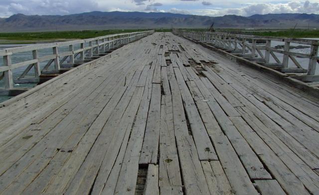 Это один из лучших мостов в Монголии!