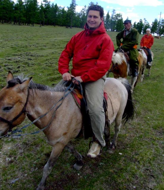Главное мероприятие этого дня – поездка на лошадях по окрестностям Хубсугула.