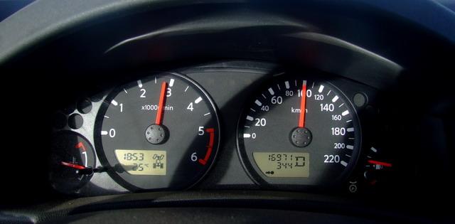 Нереальная скорость в 100 км/ч ! :о)
