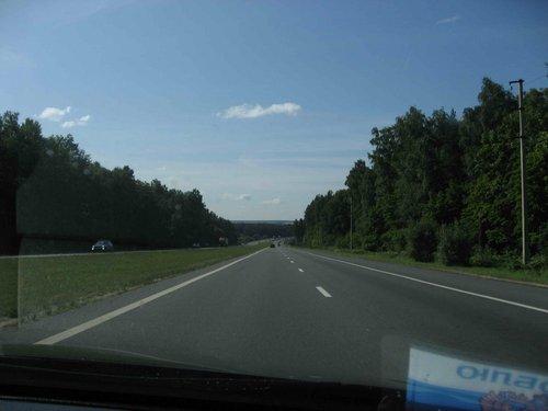 Дорога, перед Серпуховым, Симферопольское шоссе. Мечта водителя: ровная, две полосы машин мало. Если б все дороги были такие.