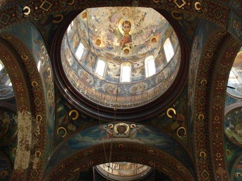 Храм в монастыре.