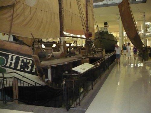Кораблики в натуральную величину.