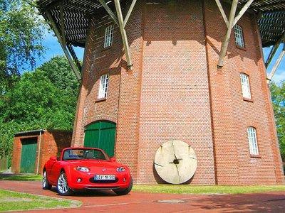 Особенной популярностью Mazda пользовалась по выходным в хорошую погоду