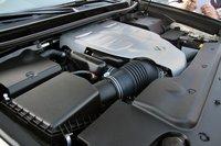 Двигатель V8 под капотом Lexus GX 460