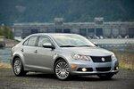 Стиль чем-то напоминает Volkswagen, но в целом Kizashi выглядит очень свежо в сравнении с прочими автомобилями в этом классе.
