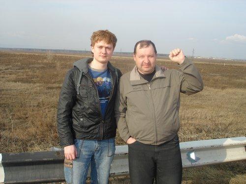 Еще в Красноярске, провожают.