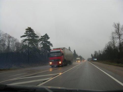 Трасса Питер — Москва, одни фуры все проклял, пока доехал.