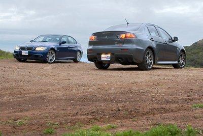 Оба автомобиля — достойные соперники.