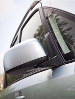 Зеркала заднего вида окрашены в цвет кузова