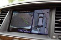 На экран выведена картинка с системы кругового обзора