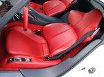 Lexus LFA. Красные кожаные кресла с боковой поддержкой