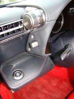 Lexus LFA. Задняя передача включается отдельной кнопкой