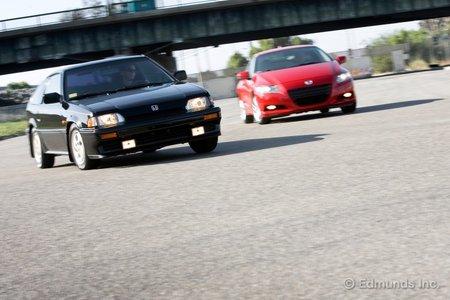 CRX Si против CR-Z: два автомобиля, одна традиция.