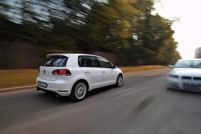 Mazda3 MPS и Volkswagen Golf GTI на тест-драйве Drom.ru