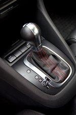 Рычаг управления коробкой передач в Volkswagen Golf GTI
