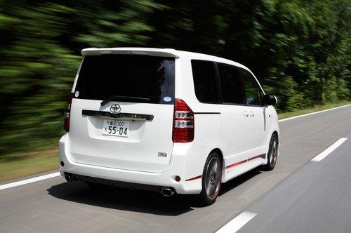 Toyota Noah/Voxy G Sports