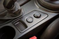 Кнопка подъема спойлера Peugeot RCZ