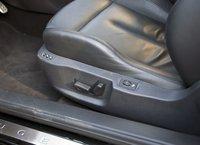 Электропривод переднего сидения Peugeot RCZ, у водительского есть также память на несколько положений