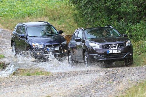 Небольшое бездорожье не представляет для них проблем, но все же на асфальте Mitsubishi ASX и Nissan Qashqai чувствуют себя увереннее.