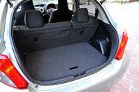 Багажник переднеприводной модификации оснащен багажной полкой, позволяющей разделить его на два уровня. Нижний уровень имеет 120мм в глубину. Глубина багажника на 45мм больше, чем у предшественника, и составляет 710мм.