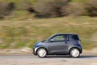 Модификация MT GO оборудована системой «старт-стоп». В режиме 10-15 автомобиль проезжает 23,5км на 1литре бензина — на 0,5км больше, чем версия с вариатором.