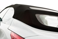Помимо очевидных эстетических аспектов изящного мягкого верха, нельзя не отметить обзорность, не уступающую традиционному купе.