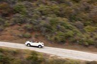 Издалека имеющий в своем основании SUV Nissan Murano CrossCabriolet выглядит почти так же, как любой двухдверный кабриолет с откидным верхом.