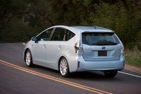 Судя по поведению японского концепта, управляемость Prius V должна быть лучше, чем у сейчас у хэтчбека.