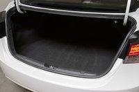 Вместимость багажника составляет 420 литров. Спинка заднего сидения без проблем складывается по схеме 60/40.