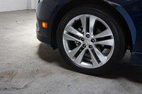Красивые литые диски диаметром 18 и шириной 7,5 дюймов «обуты» во всесезонную резину Michelin Pilot HX MXM4 типоразмера P225/45R18 91W.