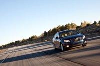 Сильные стороны 2011 Chevrolet Cruze LTZ — это его способность проходить повороты и отличные тормоза.